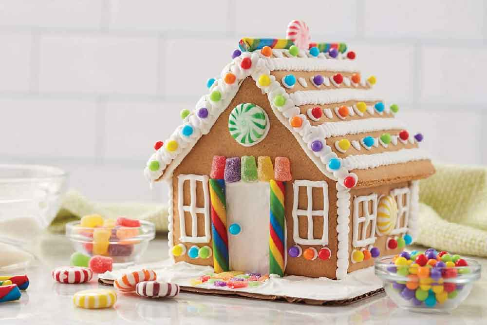 Gingerbread Houses and Pizza Party